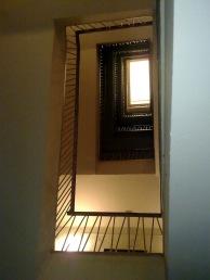 Felülről világított lépcsőház. (fotó: HG)