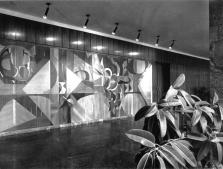 Gerzson Pál fa intarziája a Megyei Tanács előcsarnokában. (forrás: MÉ 1973/1)