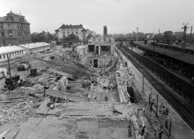 A régi vasútállomás már, az új még nincs. (forrás: Fortepan)