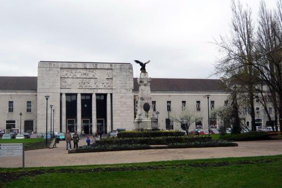 A győri vasútállomás főhomlokzata. (fotó: HG)