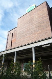 Wannenmacher Fábián funkcionalista épülete még éppen a szocreál előtt készült el. (fotó: HG)