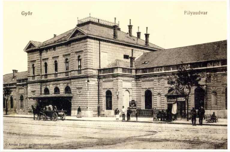 Győr állomása egy régi képeslapon. (forrás: http://www.vasutallomasok.hu, Almási Zoltán gyűjteménye)