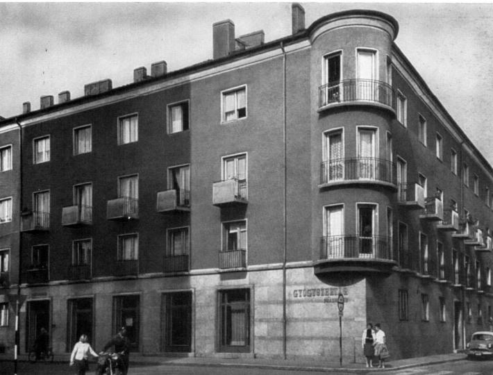 Fotó a hatvanas évek elejéről. (Győri képeskönyv, 1965)