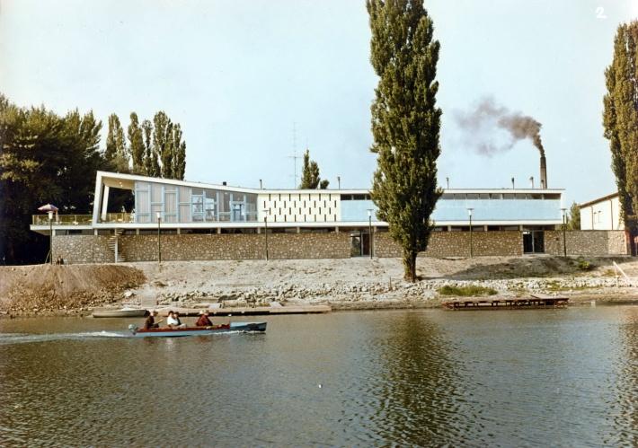 A Városi Tanács Csónakháza 1965 körül. (forrás: GYŐRITERV kiadvány)
