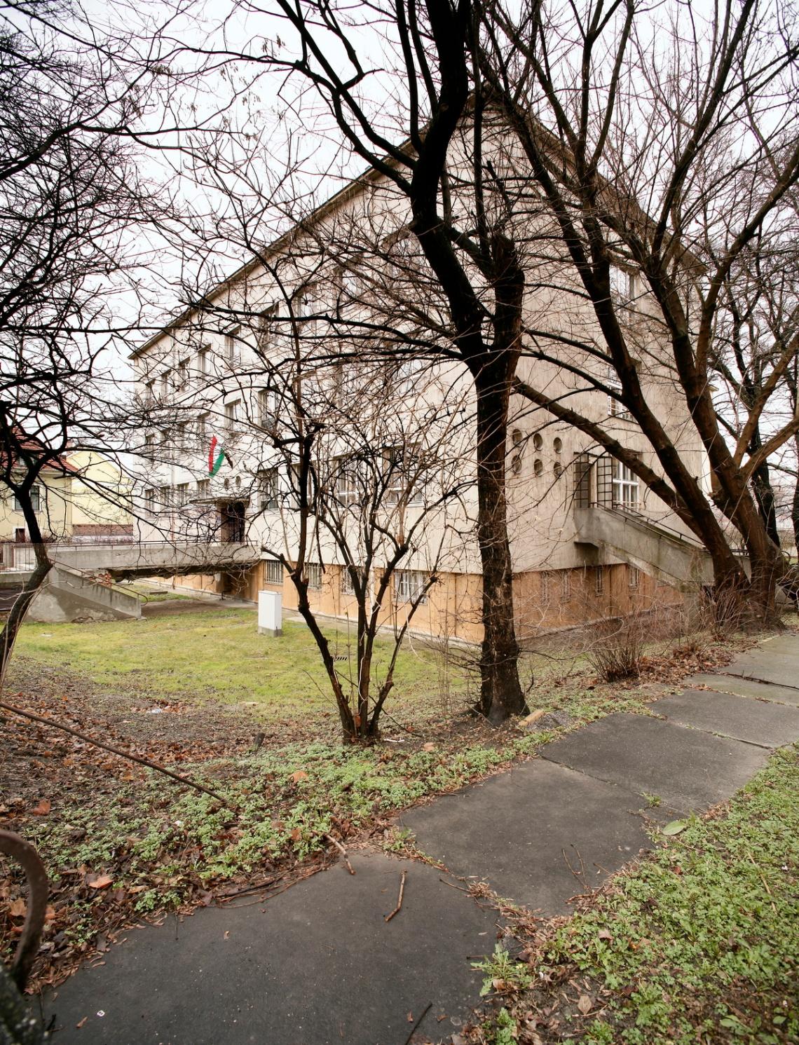 A ház a Rábca medréből fotózva 2007-ben. (forrás: HAP Galéria)