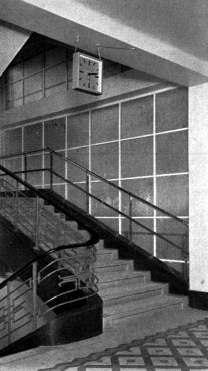 Az OTI lépcsőháza. (forrás: MÉM, 1938)