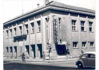 Az épület a hatvanas években. (forrás: Régi Győr)