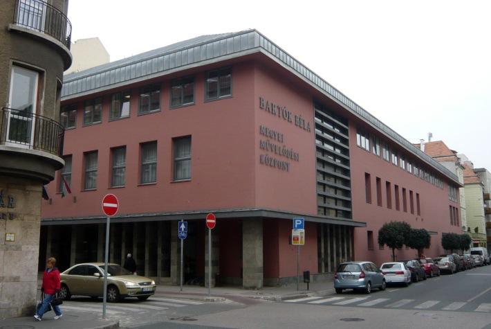 A 2003-ban befejeződött újabb teljes átépítés után. Építész: Czigány Tamás. (fotó: HG)