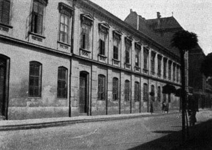 """""""Bálint Mihály hagyatéka"""", egy 1890 körül épült bérház került átépítésre. (forrás: Tér és Forma, 1936)"""
