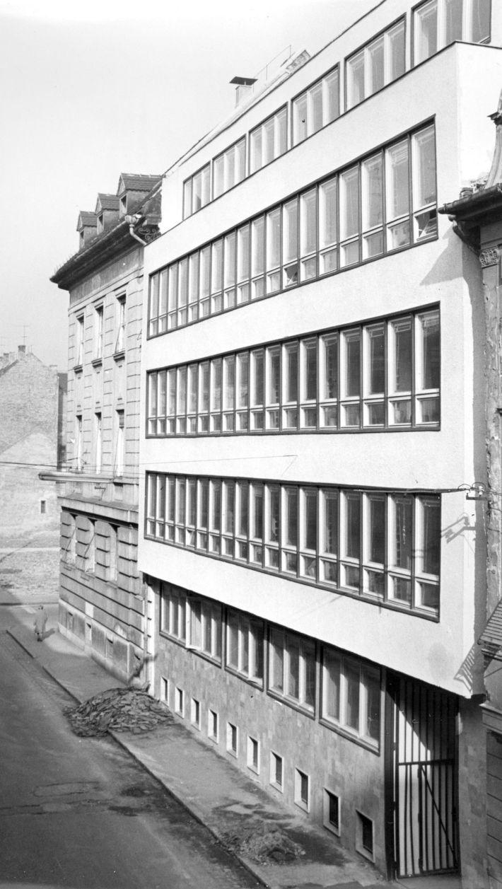 A székházbővítés Czuczor Gergely utcára néző homlokzata. (forrás: HAP Galéria anyaga)