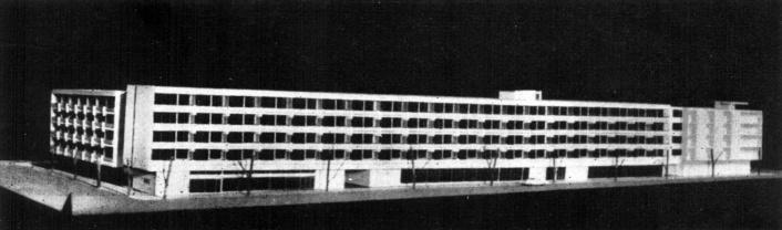 Több, mint száz méter hosszú homlokzat - igaz ekkor még egy emelettel alacsonyabban. (forrás: GYŐRITERV-es kiadvány)