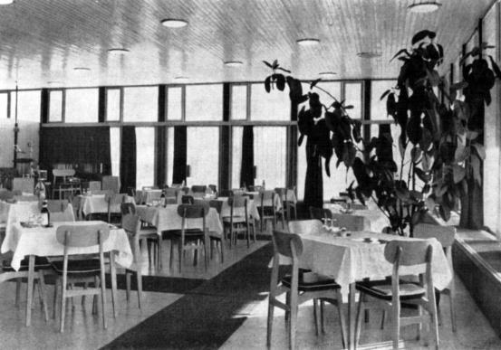 Az étterem belső fogyasztótere. (forrás: GYŐRITERV-es kiadvány)