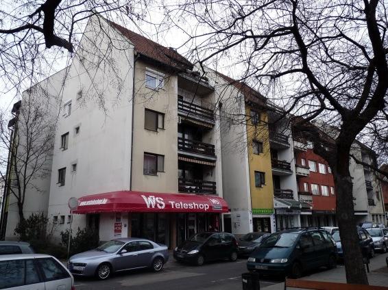 A középső házat Takács Jenő tervezte. (fotó: HG)