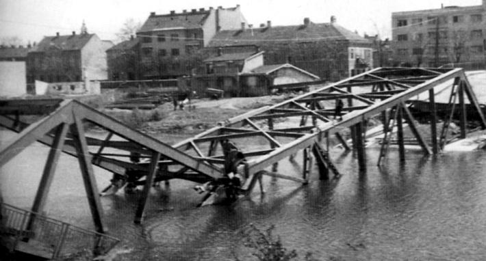 1945-ben felrobbantották. (forrás: Winkler-Kurcsis)