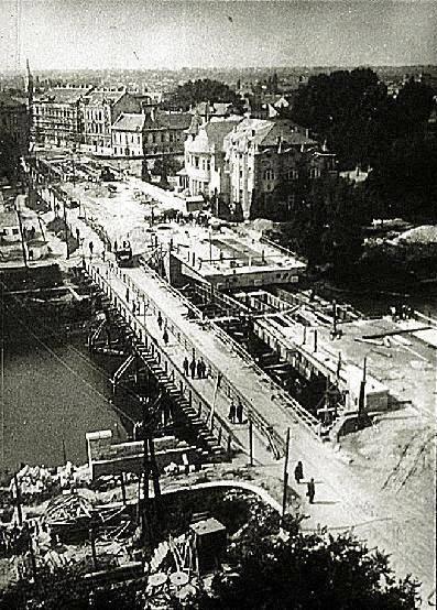 Épül az új vasbeton szerkezet 1952 k. (forrás: Régi Győr)